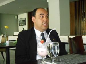 GM Santika Lombok/ Ketua AHM Reza Bovier