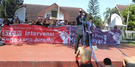 Wartawan di Mataram Peringati Hari Kebebasan Pers