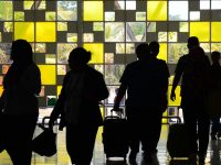 Gunung Baru Jari Semakin Garang, Bandara Lombok Masih Lumpuh