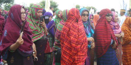 Festival Tambora, Seribuan Wanita Dompu Gelar Parade Rimpu