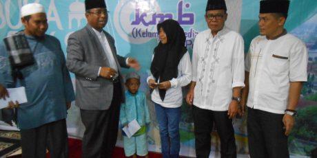 Suara NTB dan Global FM Lombok Santuni Yatim dan Bagi-Bagi Sembako