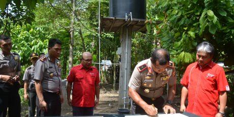 Telkomsel dan Polda NTB Gali Sumur Bor di Daerah Kering