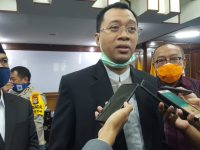 Gubernur Minta Salat Idul Fitri di Rumah dan Mall Ditutup