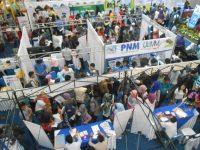 Bursa Kerja Diserbu Para Pencari Kerja