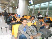 BIL Kembali Normal, Penumpang Pesawat Sempat Menunggu 30 Jam