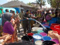 Sepanjang Tahun, Warga Serewe Bergantung Air Hujan