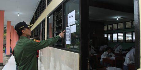 Walikota Mataram Pantau UN di Beberapa Sekolah