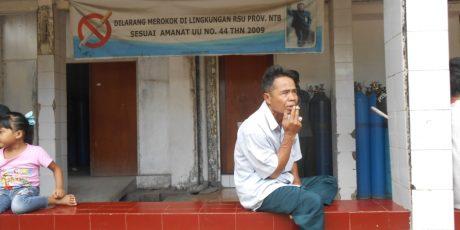 Direktur RSUP NTB Haramkan Merokok di Areal Rumah Sakit