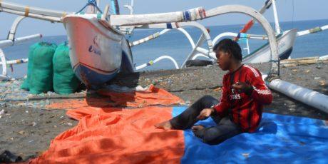 Rencana Kenaikan Harga BBM Membuat Nelayan Lombok Resah