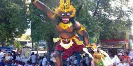 Wisatawan Asing Ikut Saksikan Parade Ogoh-Ogoh