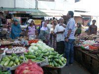 Pedagang Sayur Pasar Kebon Roek Keluhakan Tempat Berjualan
