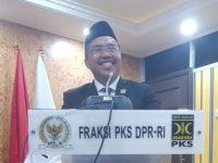 Pemerintah Kekeuh SLF Diterbitkan Pusat, PKS Tegas Tolak Omnibus Law Cipta Kerja