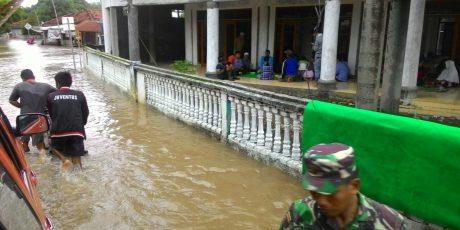 Pascabanjir Sumbawa, Warga Butuh Air Bersih