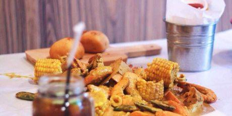 Talk Crab Mataram, Resto Dengan Sajian Yang Unik