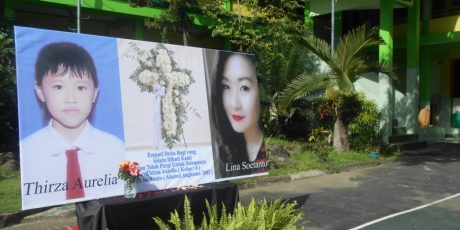 Siswa SD Aletheia Mataram Gelar Doa Untuk Thirza Aurelia, Korban Pesawat Air Asia