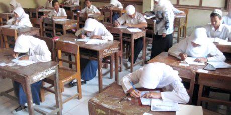 Soal UN Tertukar, SMP Negeri 1 Mataram Terlambat 1 Jam