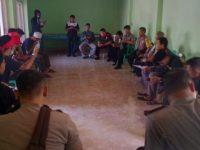 Sekdes Diduga Salahgunakan Ratusan Juta DD, Warga Desa Peresak Geruduk Kantor Desa