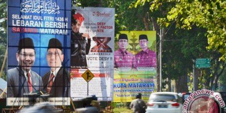 Akhirnya Baliho Bergambar Pasangan Calon Walikota Mataram Diturunkan