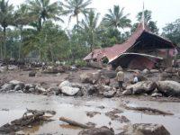 Sembilan Lingkungan di Ampenan Terkena Dampak Gelombang Pasang