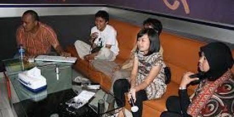 Akan Ditutup, Karaoke Keluarga Yang Menyimpang