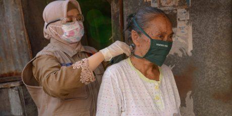 Wajib Masker, Wagub Turun Langsung Sosialisasi dan bagi-bagi Masker ke Masyarakat