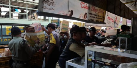 Sering Jadi Tempat Keributan, 19 Lapak PKL di Sweta Dibongkar