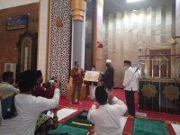 Juara I Masjid Teladan, Pengurus Masjid Hubbul Wathan Islamic Center Terima Penghargaan