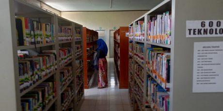 Tingkatkan Minat Baca di Pusda Loteng, Judul Buku Boleh Dipesan