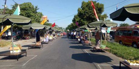 Cegah Virus Corona, Pasar Mandalika Mulai Terapkan Jaga Jarak