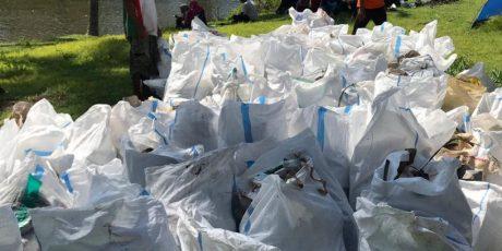 Gugah Kesadaran Masyarakat, Pegiat Lingkungan Gelar Gebyar Mulung Sampah