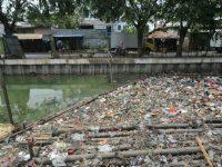 Dalam Sehari Sungai Jangkuk Hasilkan Dua Dump Truk Sampah