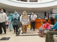 Semangati Nakes, Wagub Tinjau RS Manambai Abdulkadir