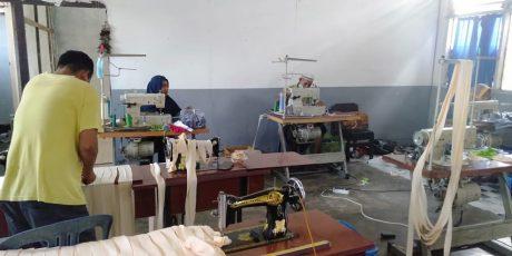 Produsen Masker di Desa Selagik Lotim Kini Kebanjiran Pesanan